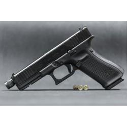 Pistolet GLOCK 17 GEN 5 z gwintem M13x1 kal. 9x19mm